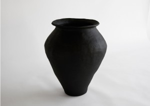 http://archive.jonathanhopsongallery.com/files/gimgs/th-40_Urn-Iw.jpg
