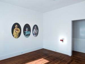 http://archive.jonathanhopsongallery.com/files/gimgs/th-42_smother-Installation-Images-(16-of-24)w.jpg